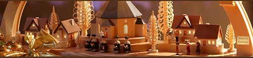 Traditionele houten kerstversiering uit het Ertsgebergte