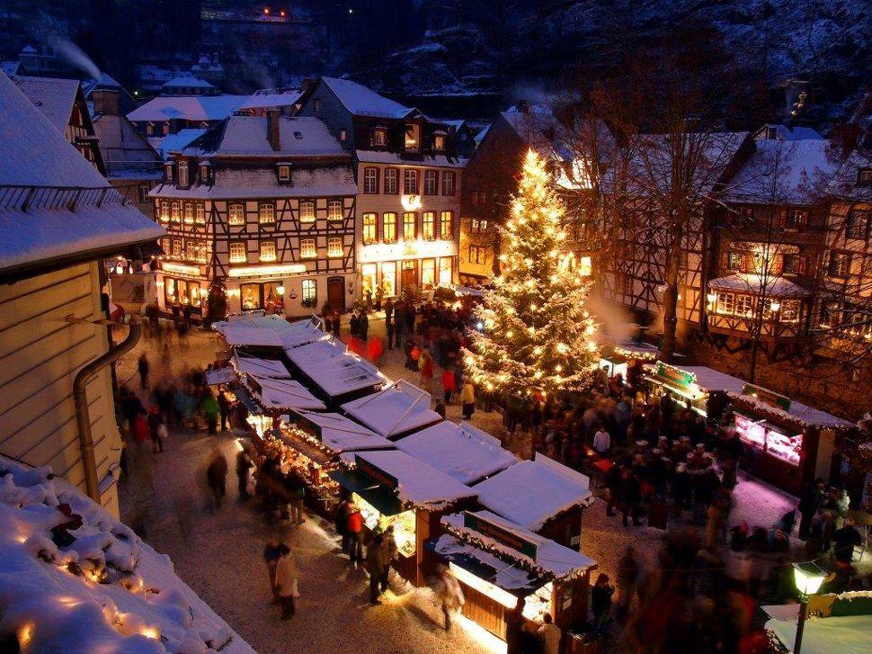 Kerstmarkt in Monschau in Monschau