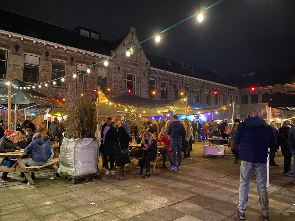 Kerstmarkt oude gevangenis Leeuwarden in Leeuwarden